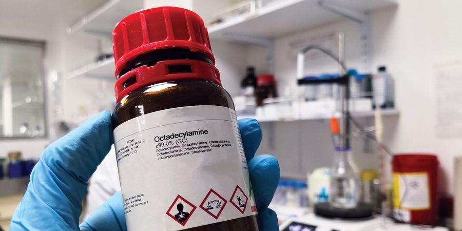 How to Prevent Uncontrolled Mixing of Chemicals in the Lab
