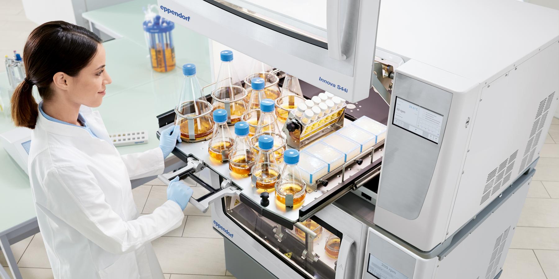 How Bioreactor Inoculum Preparation in Shake Flasks with Automated Inoculation Works