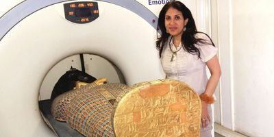 CT Scans Reveal New Details about the Death of a Pivotal Pharaoh