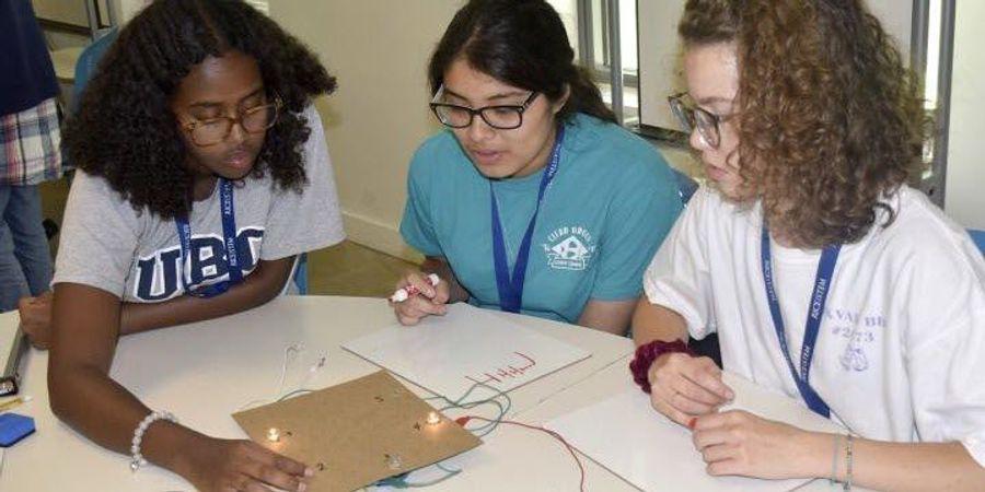 Работа для девушек с физикой вирт переписка за деньги