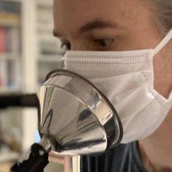 Face Masks Block Expired Particles, despite Leakage at Edges