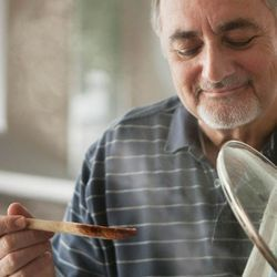 Sense of Smell in Older Adults Declines When It Comes to Meat, but Not Vanilla
