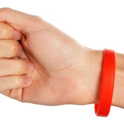 Using Silicone Wristbands to Measure Air Quality