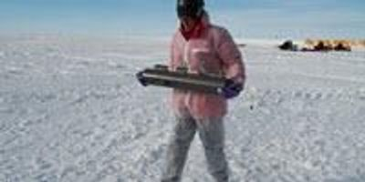 Microbe Hunt Beneath Antarctic Ice Sheet