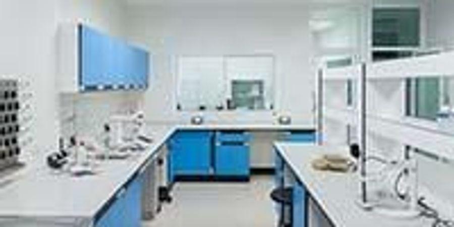 Key Considerations for Choosing Laboratory Furnishings